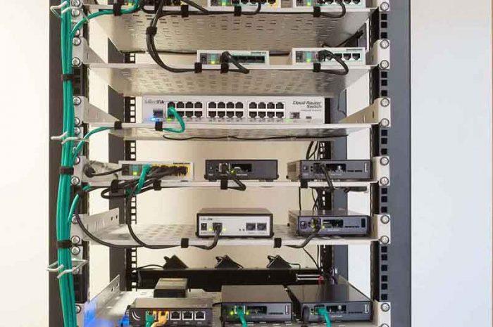 نصب و راه اندازی تجهیزات میکروتیک